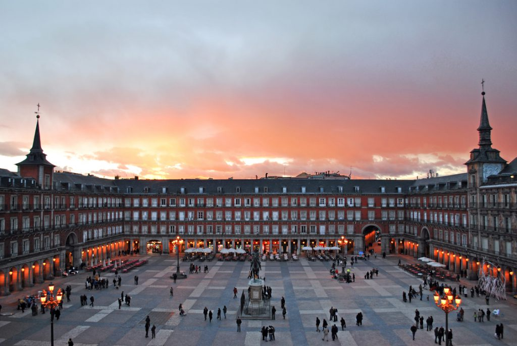 wht to visit in madrid - plaza mayor