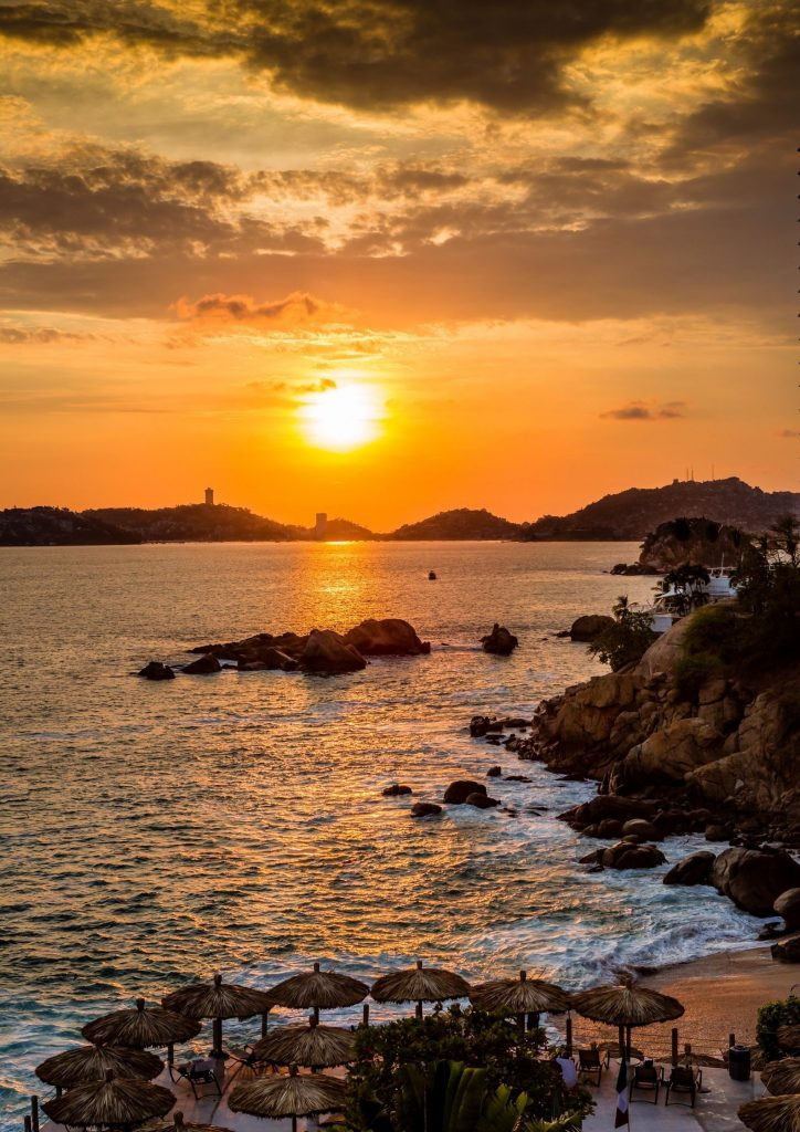 view the great sunset in acapulco